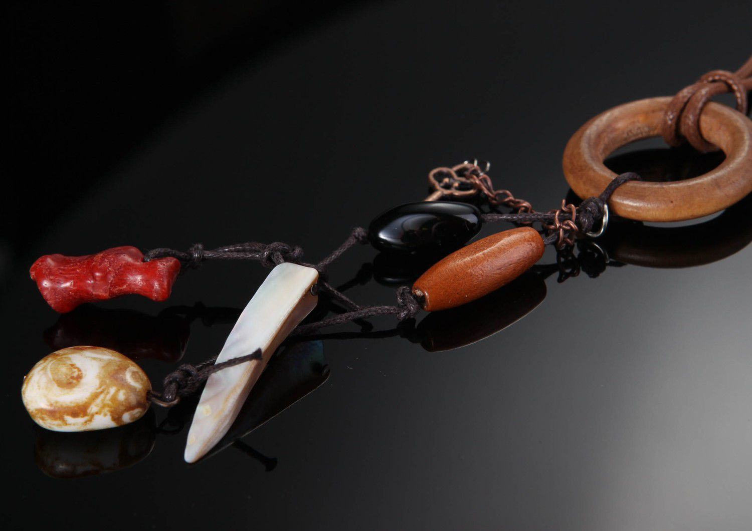 choker Necklace, choker with wood, pearl & coral - MADEheart.com