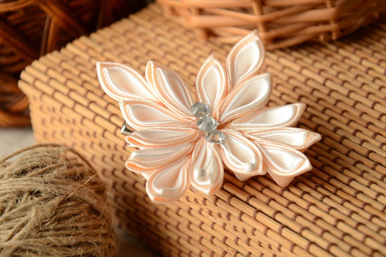 Kanzashi satin ribbon hair clip photo 1