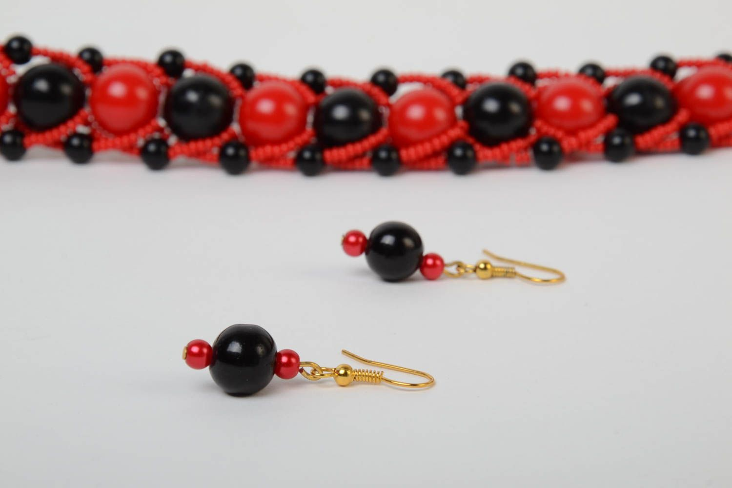Red and black handmade designer beaded jewelry set 2 pieces unusual earrings and necklace photo 4