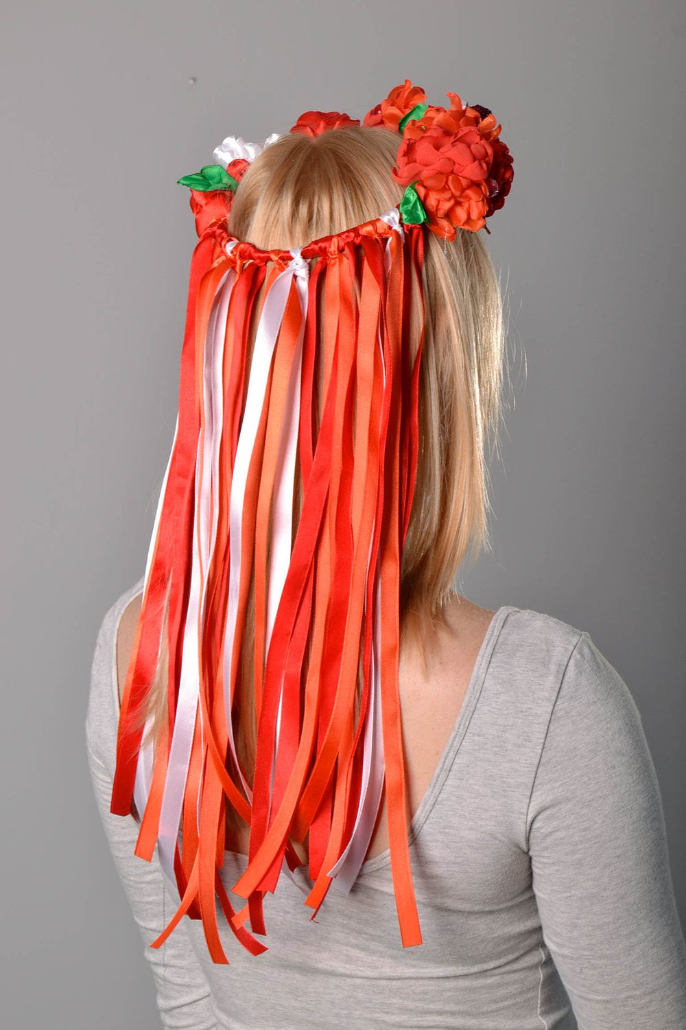 headbands and wreaths Head wreath made of flowers and berries - MADEheart.com