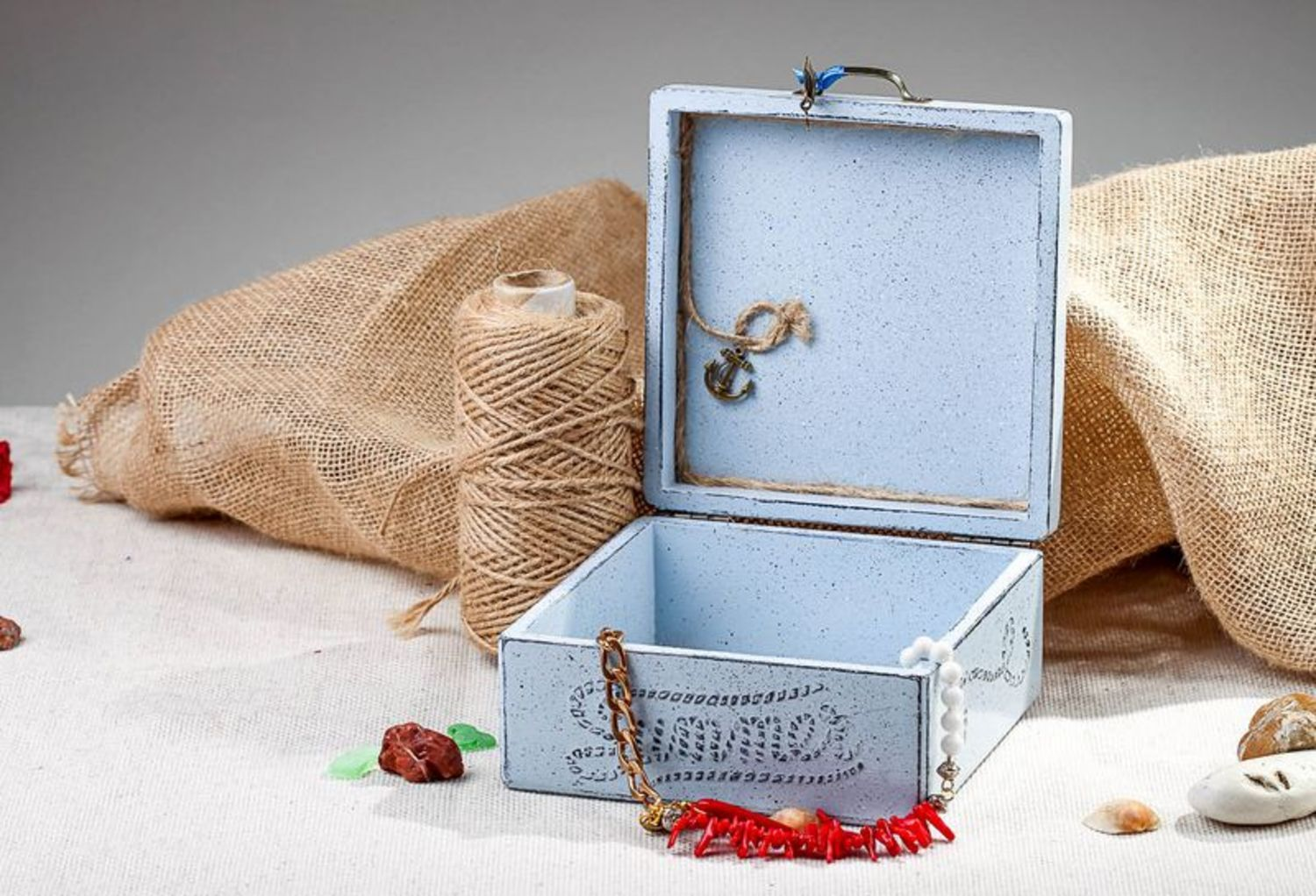 Old box for jewelry photo 1