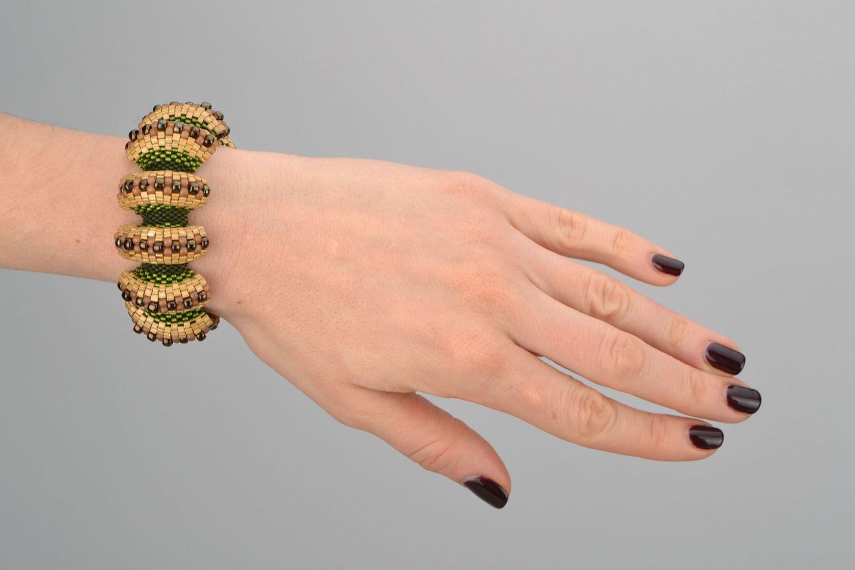 Relief beaded bracelet photo 2