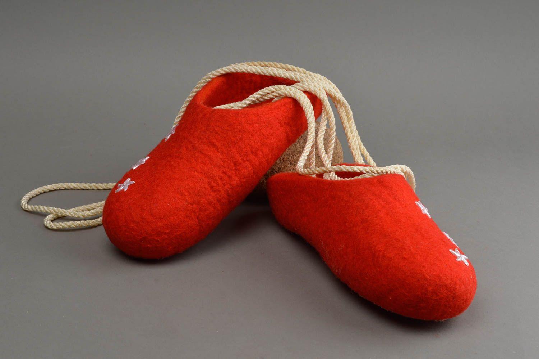 best service 620f0 796f1 Rote schöne handgemachte Hausschuhe aus Wolle in Filzen Technik für Damen
