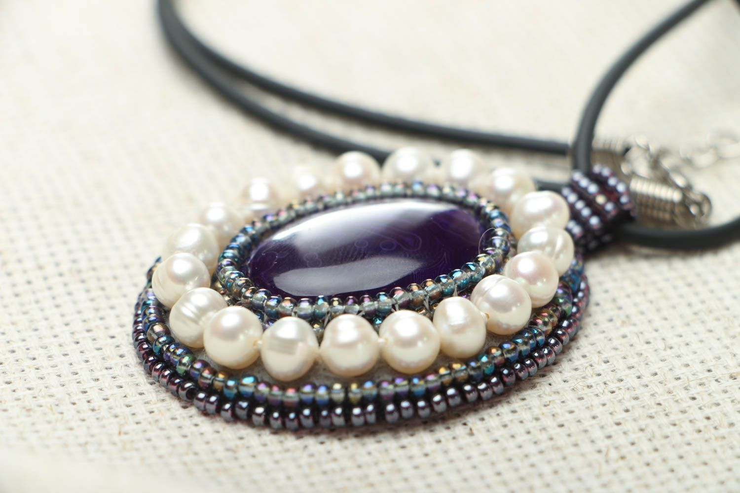 Homemade pendant with amethyst and pearls photo 3