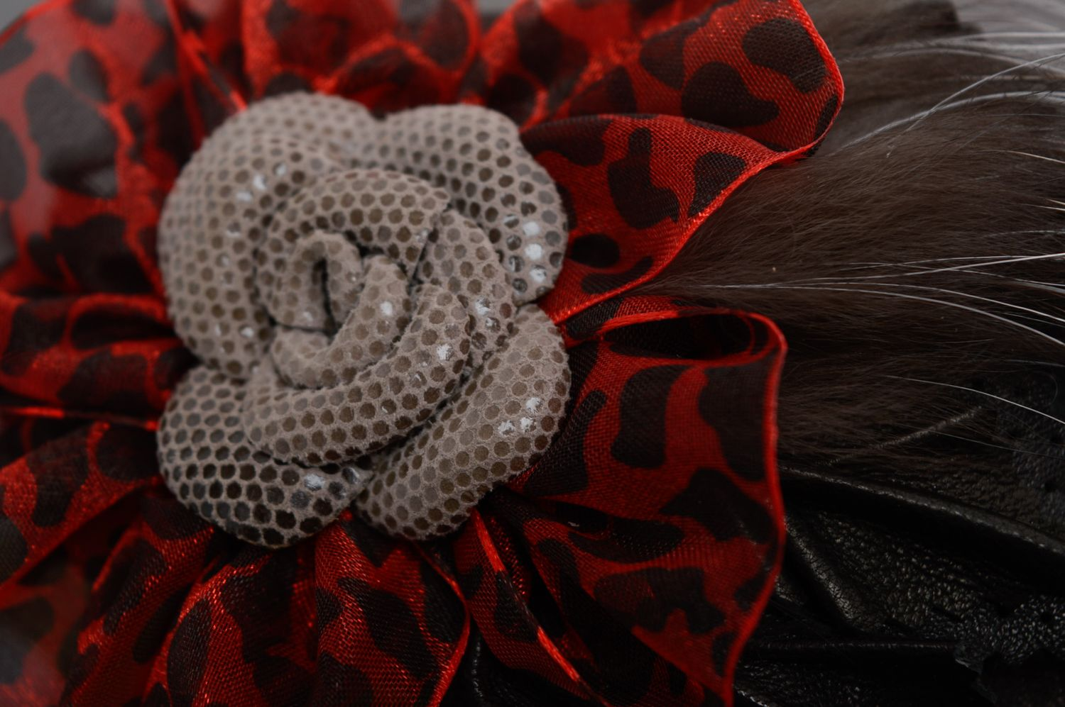Leather hair clip with fur photo 2