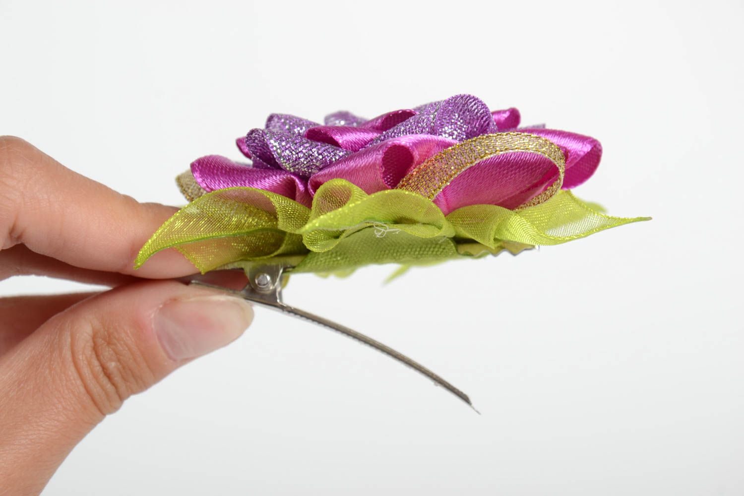 Hair clips in shape of flowers handmade designer accessories stylish hair clips photo 5
