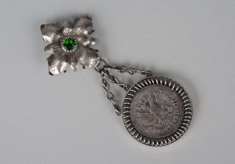 metal jewelry Silver pendant