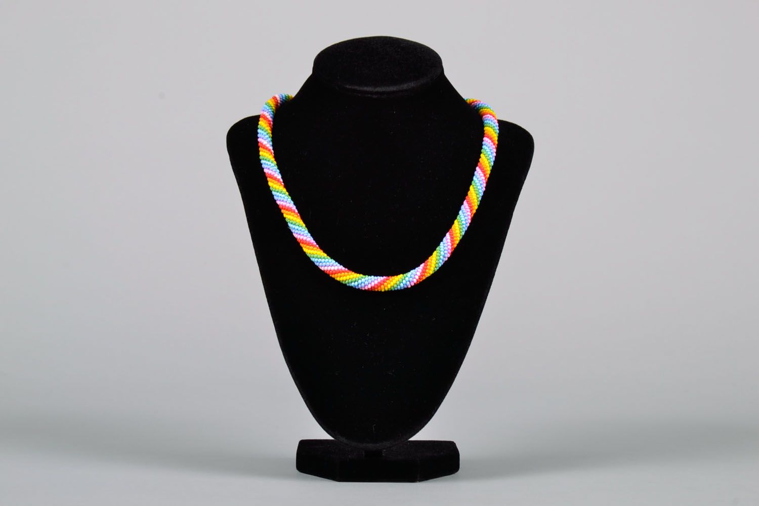 Beaded cord necklace Bright photo 2