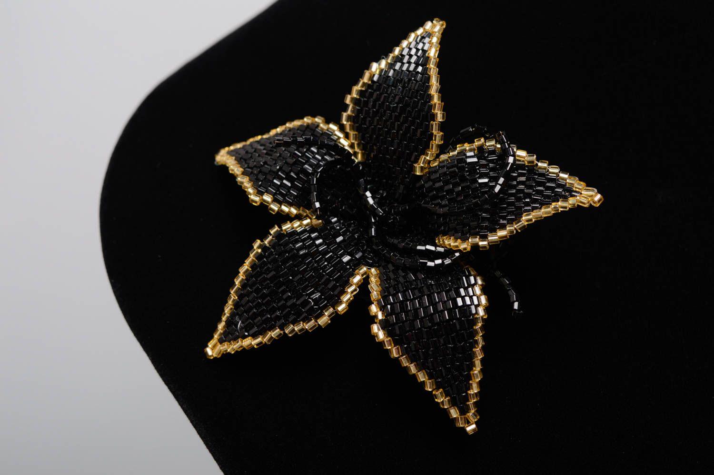 Beaded flower brooch photo 3