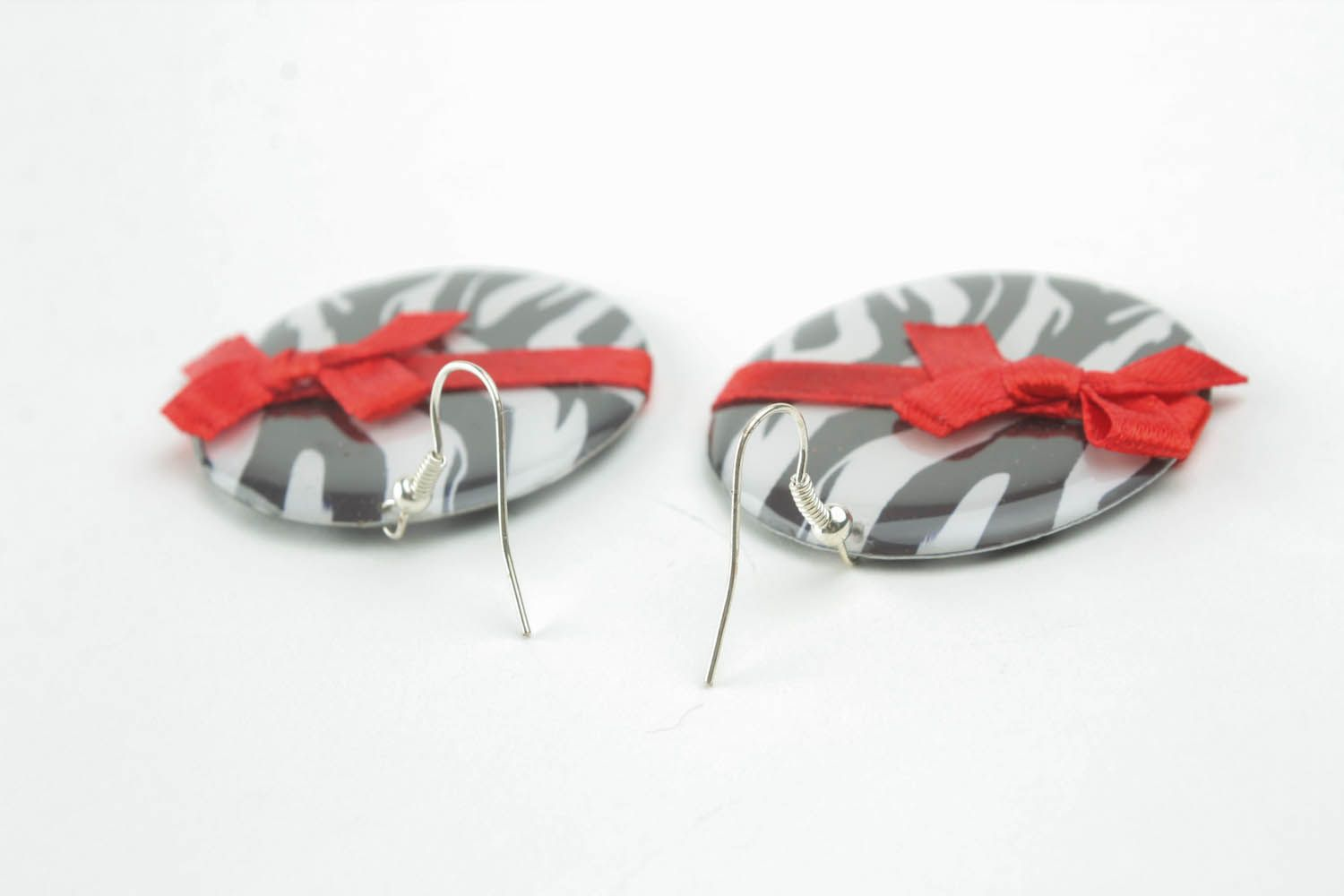 Earrings with bows photo 4