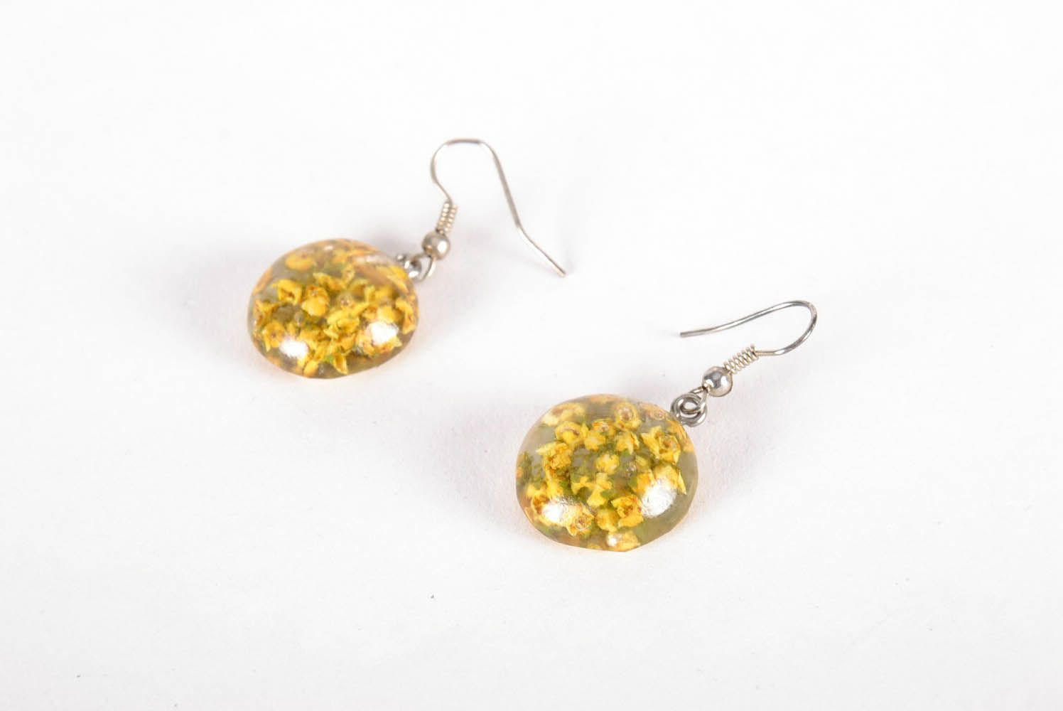 Earrings with dried flowers in epoxy resin photo 1