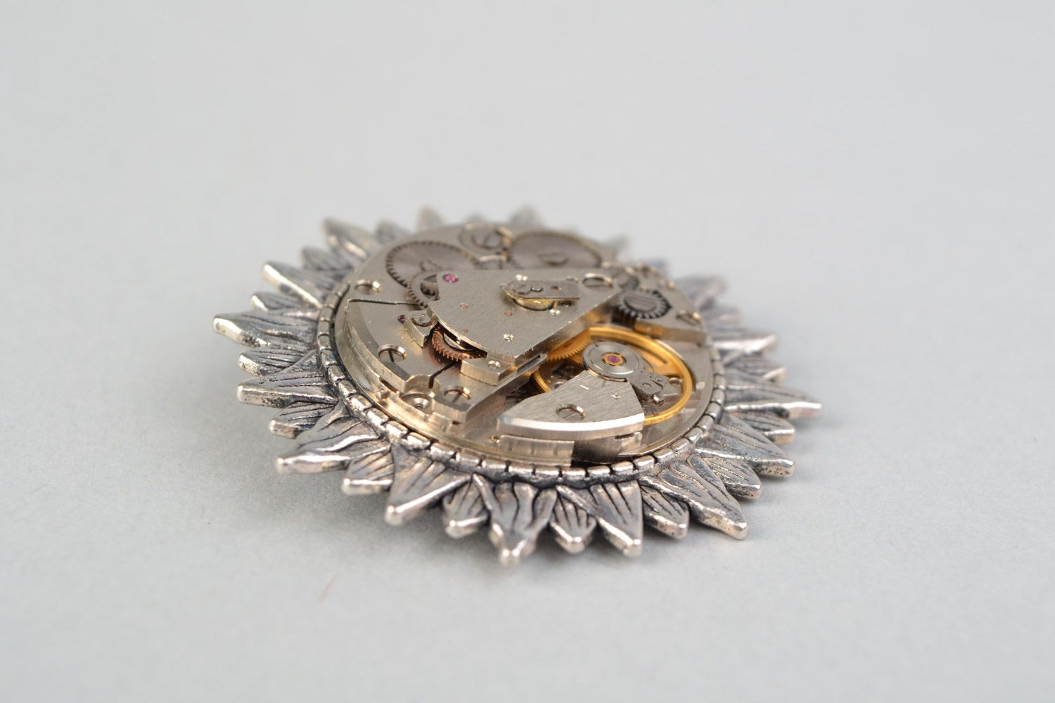 Handmade round brooch with metal basis and clock mechanism in steampunk style photo 4