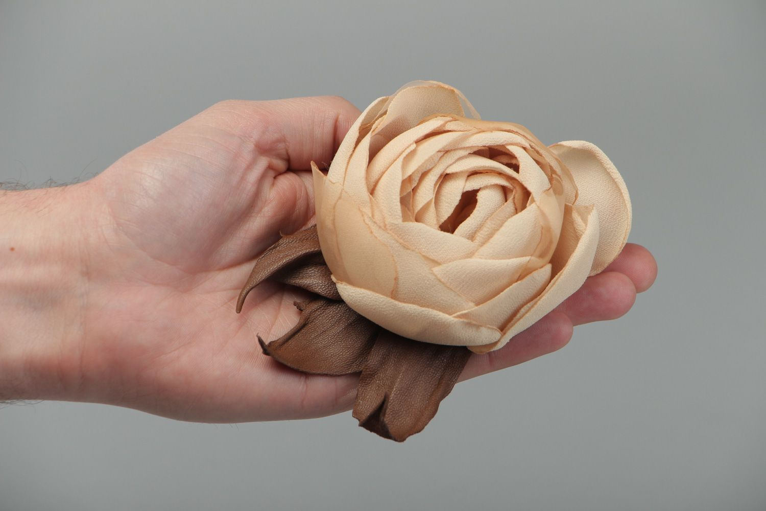 Large beautiful beige brooch hand made of genuine leather and chiffon Rose photo 4