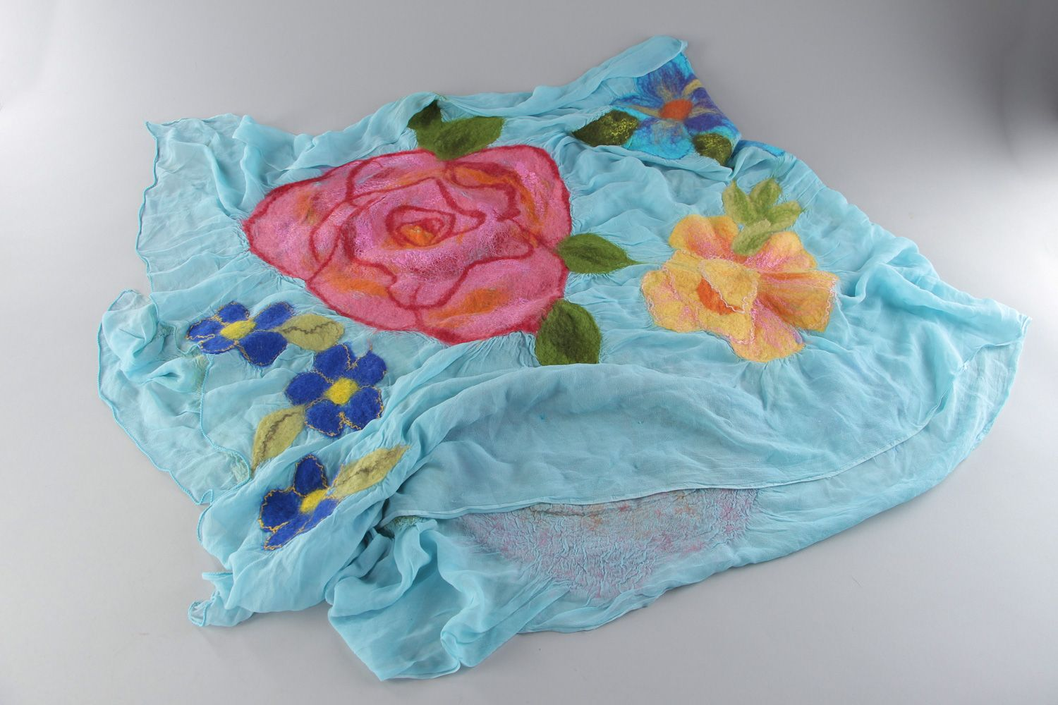 Tender handmade silk and chiffon blue scarf with felted wool pink flowers photo 1
