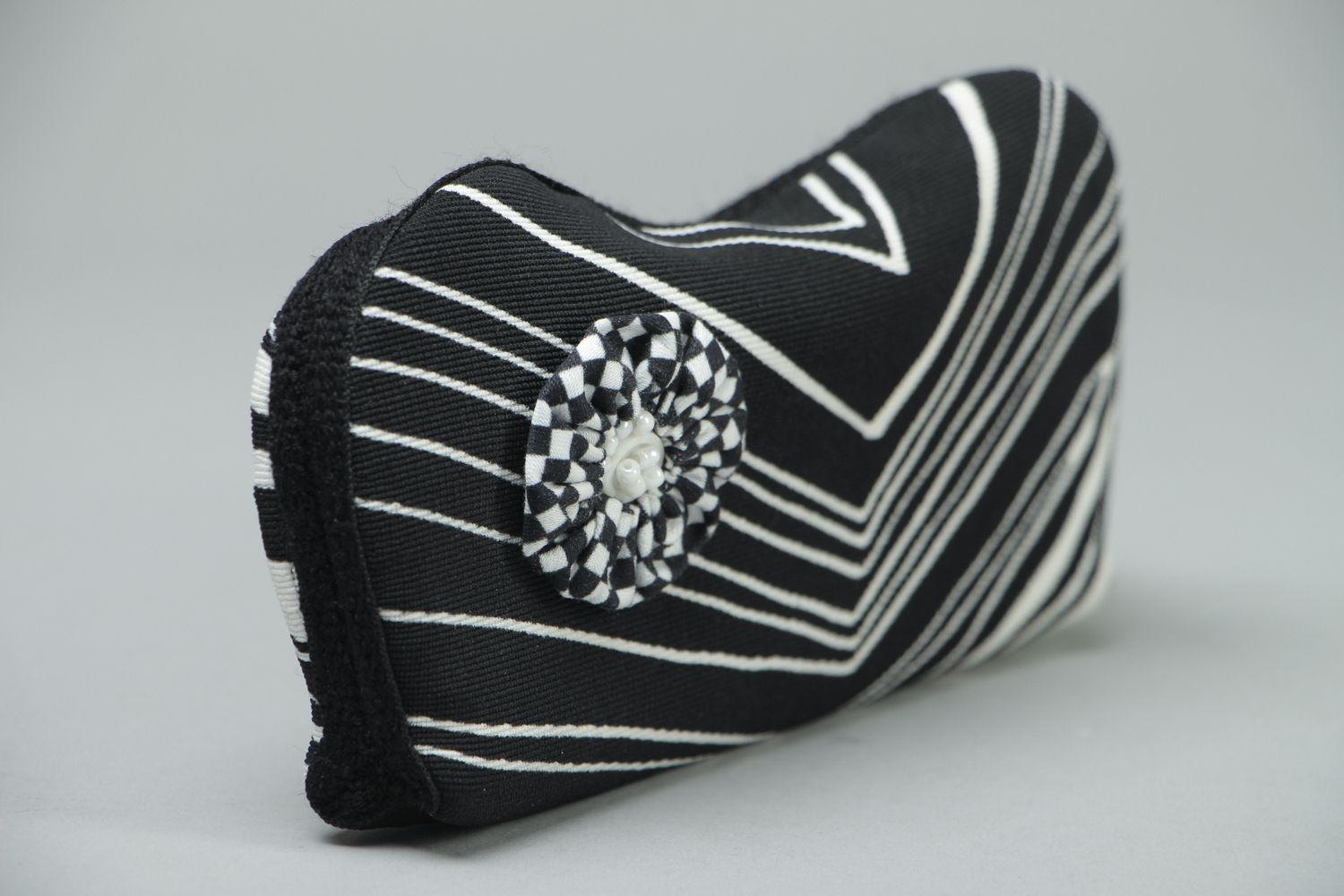 Black and white eyeglass case with button photo 2