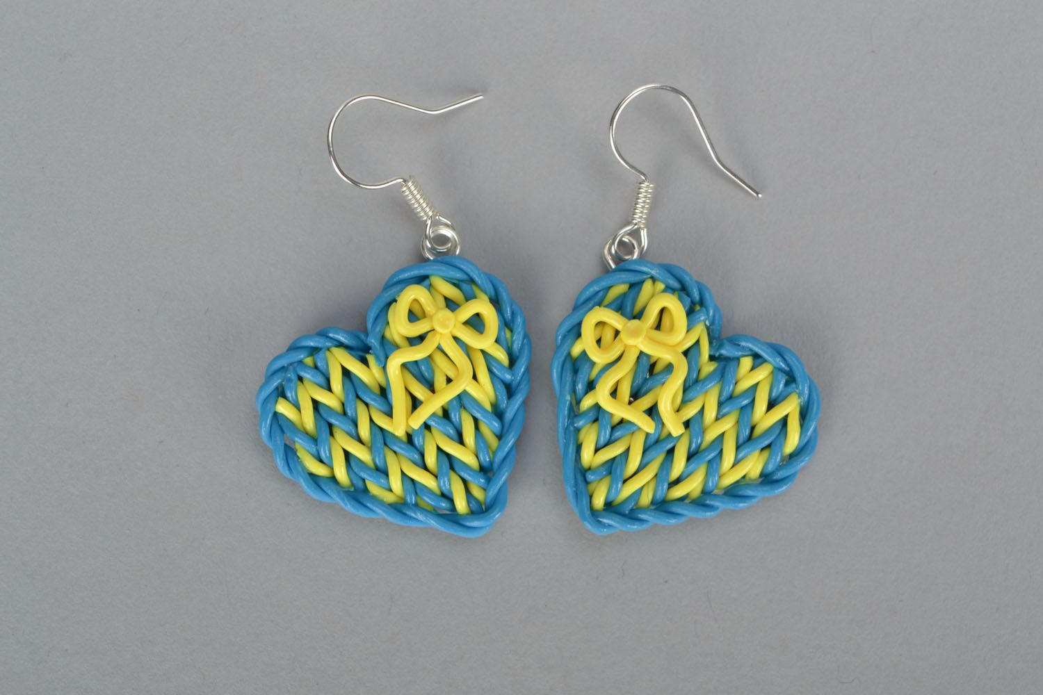 Plastic heart-shaped earrings photo 2