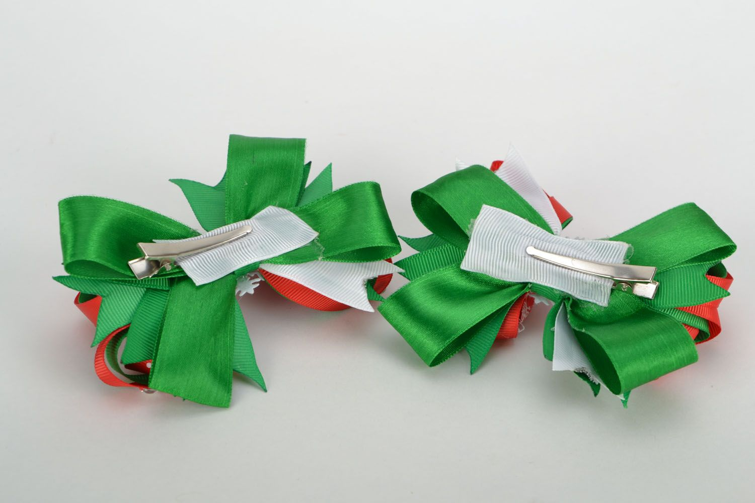 Hair clips with rep ribbons Christmas photo 5