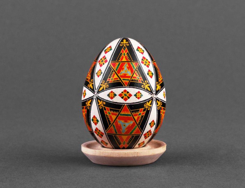 Handmade painted egg photo 2