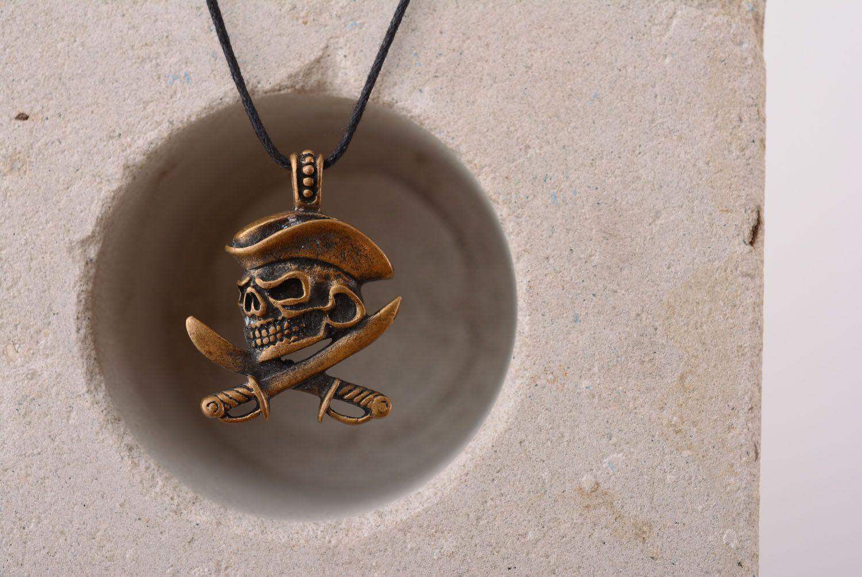 Bronze pendant Pirate's Skull photo 3