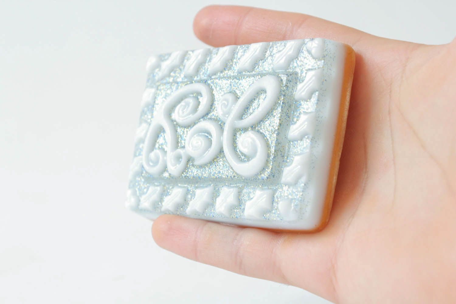 Gentle soap with natural oils photo 4