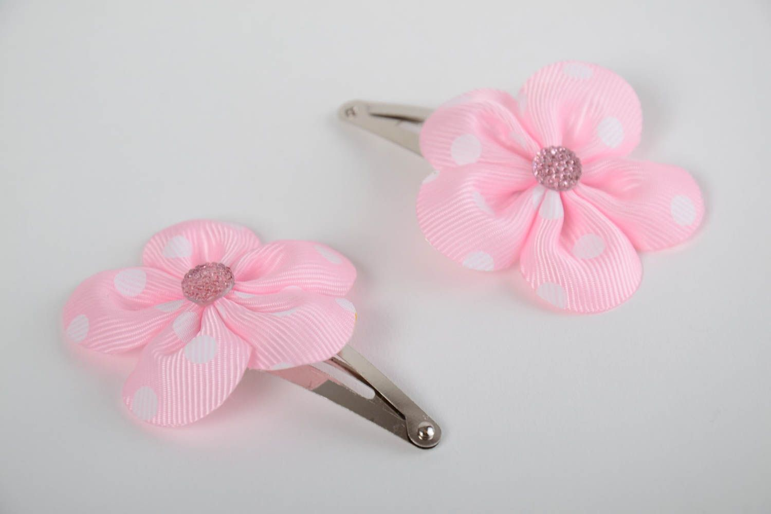 Set of 2 handmade decorative hair clips with pink rep ribbon flowers photo 2