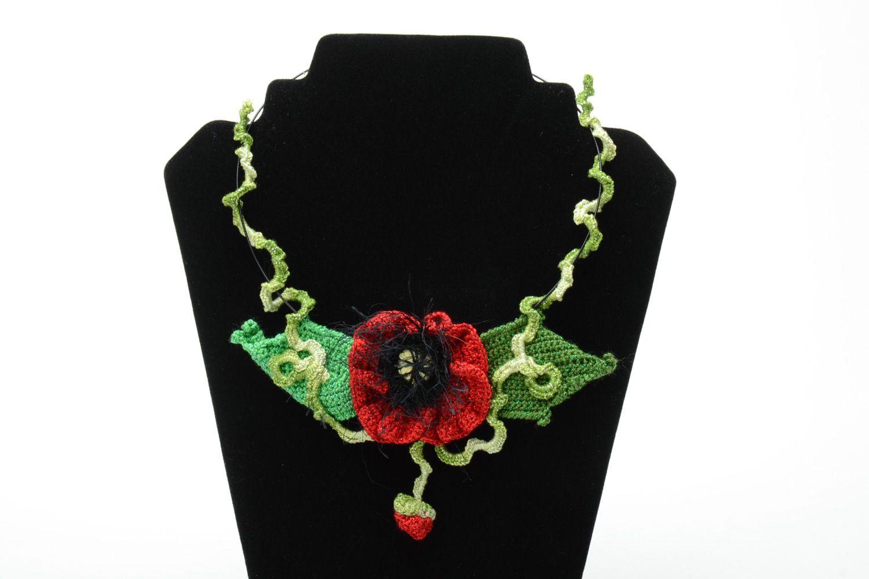 Homemade women's crochet flower necklace photo 1