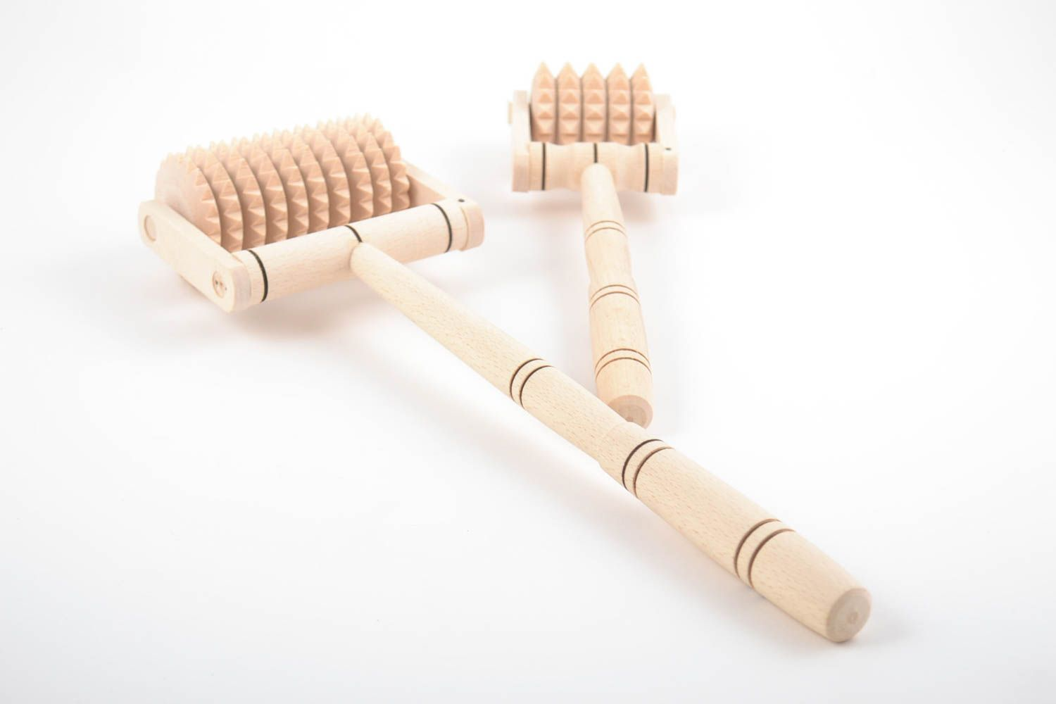 Set of handmade wooden foot and back massagers 2 pieces of different sizes photo 4