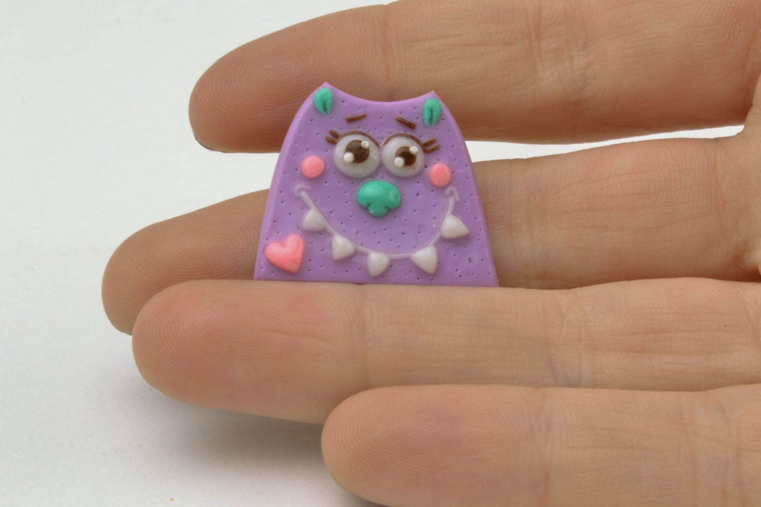 Cat-shaped polymer clay brooch photo 2