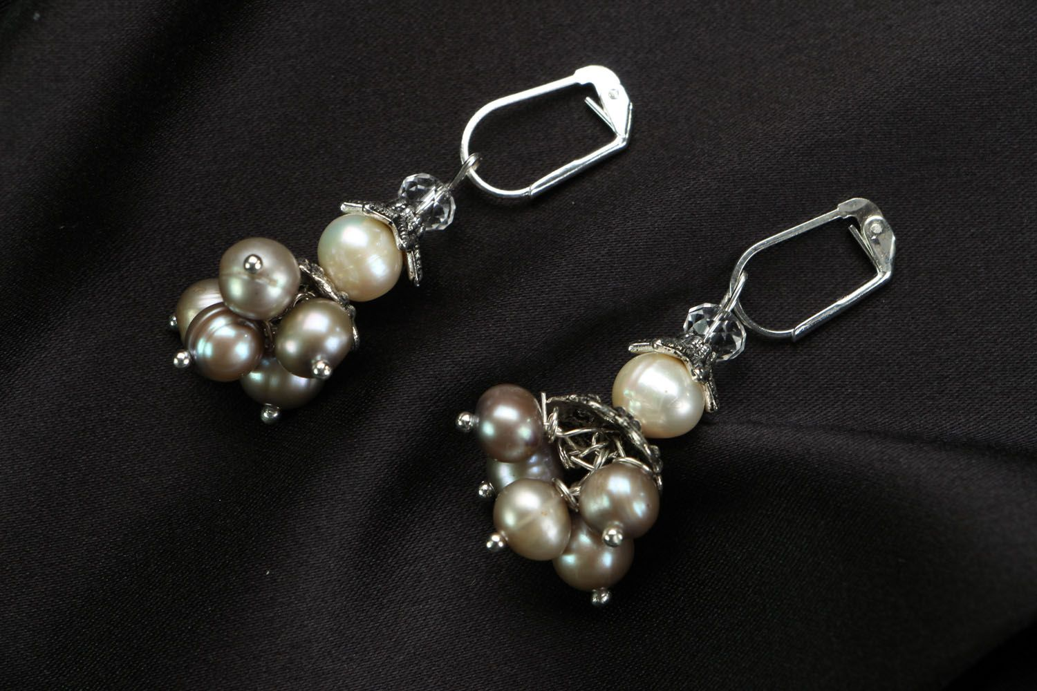 Earrings with whire river pearls photo 1