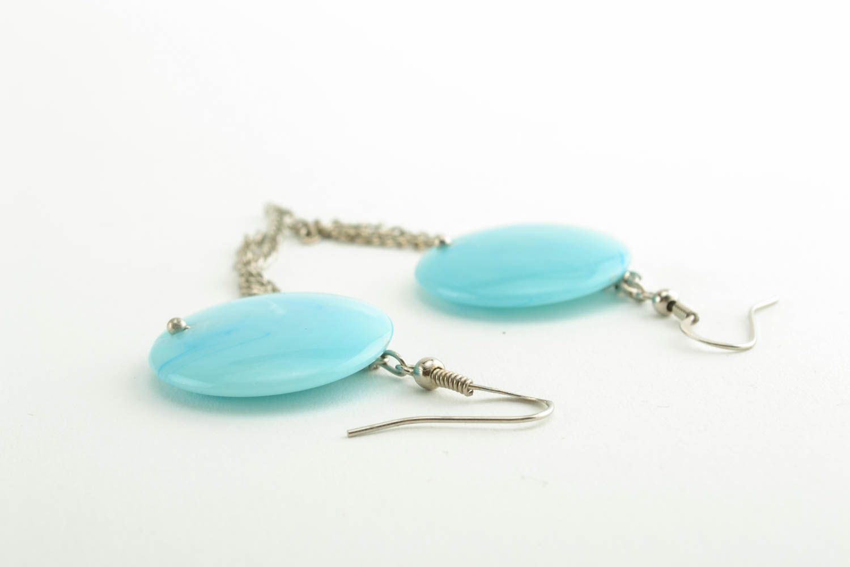 Türkisblaue Ohrringe mit Kunststoff Perlen foto 3