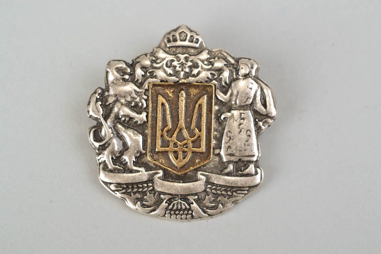 Metal brooch Coat of Arms of Ukraine photo 3