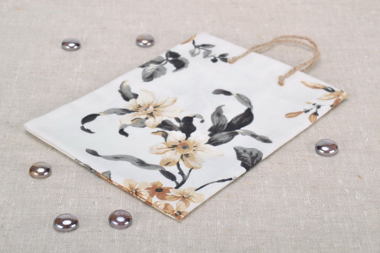 cases Gift package with floral picture - MADEheart.com