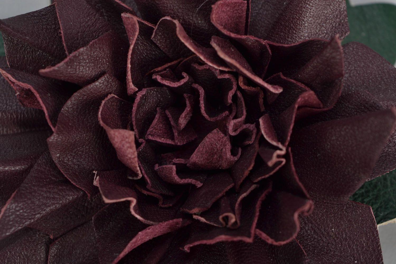 Кожаная брошь-заколка в виде цветка фото 4