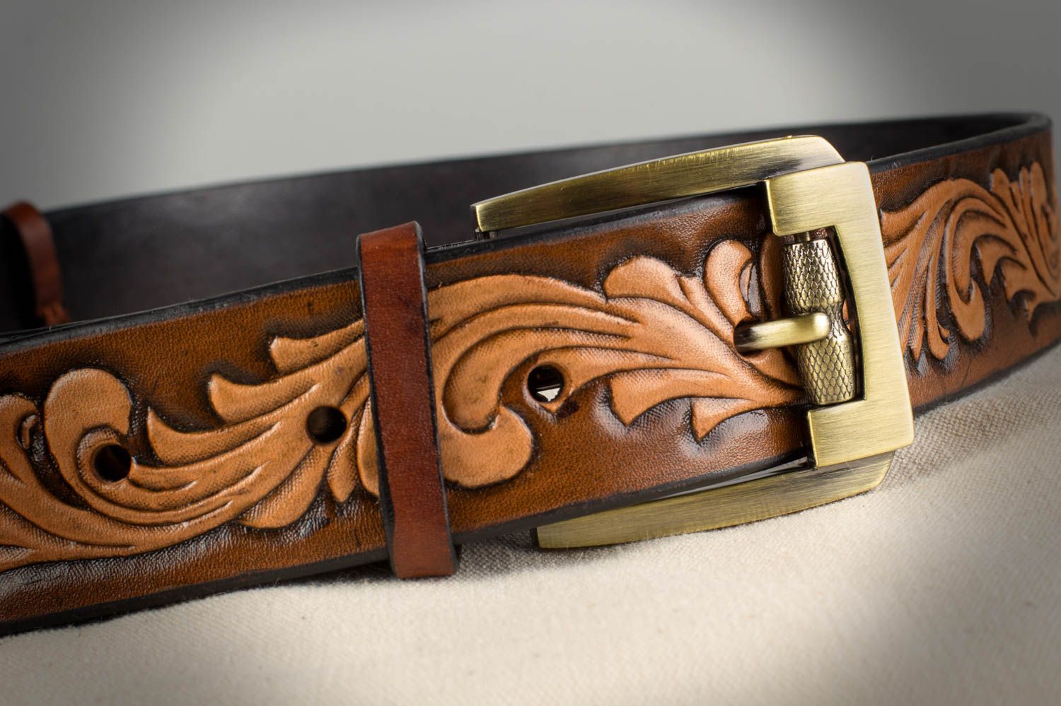 Handmade stylish unusual brown belt made of natural leather with metal buckle photo 1