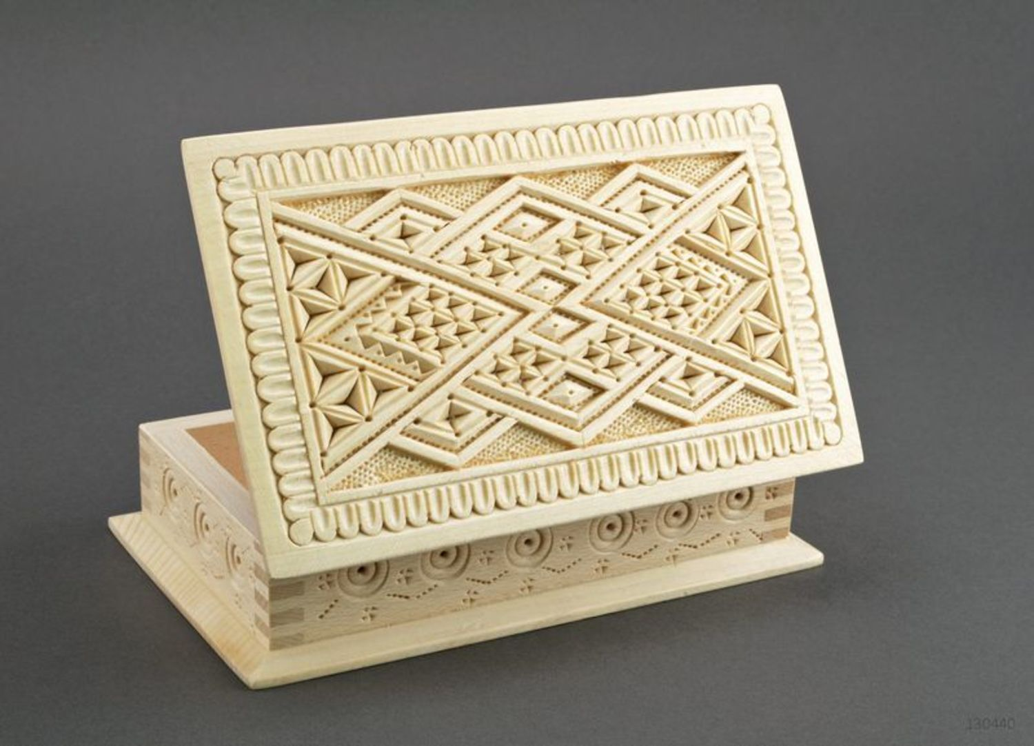 Wooden box for jewelries photo 2