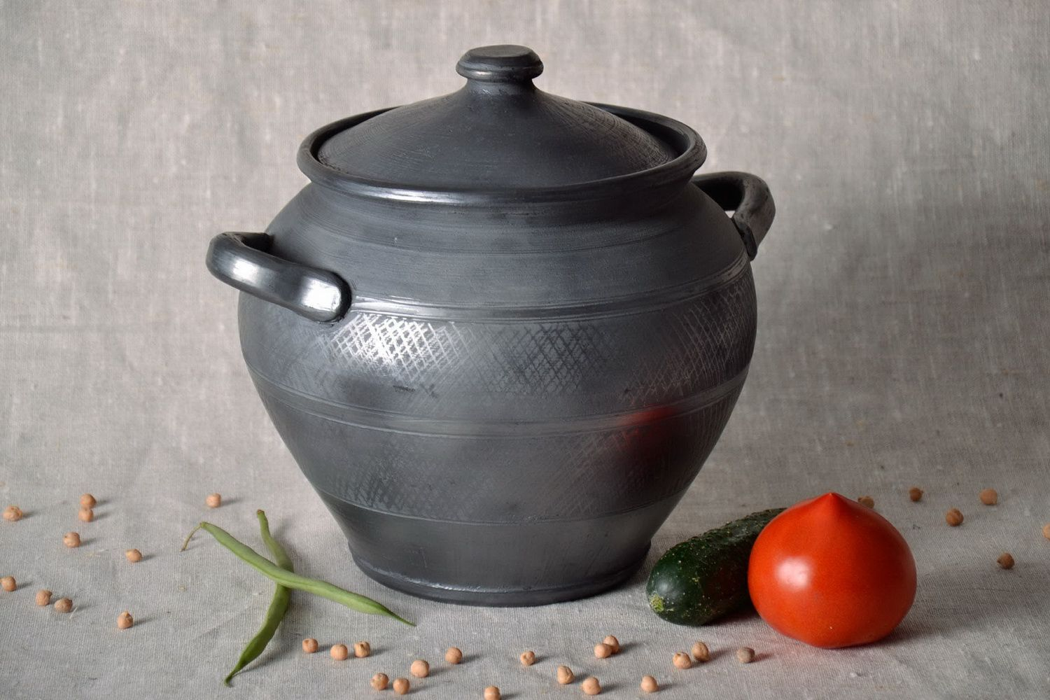 Clay pot for baking with lid  photo 1