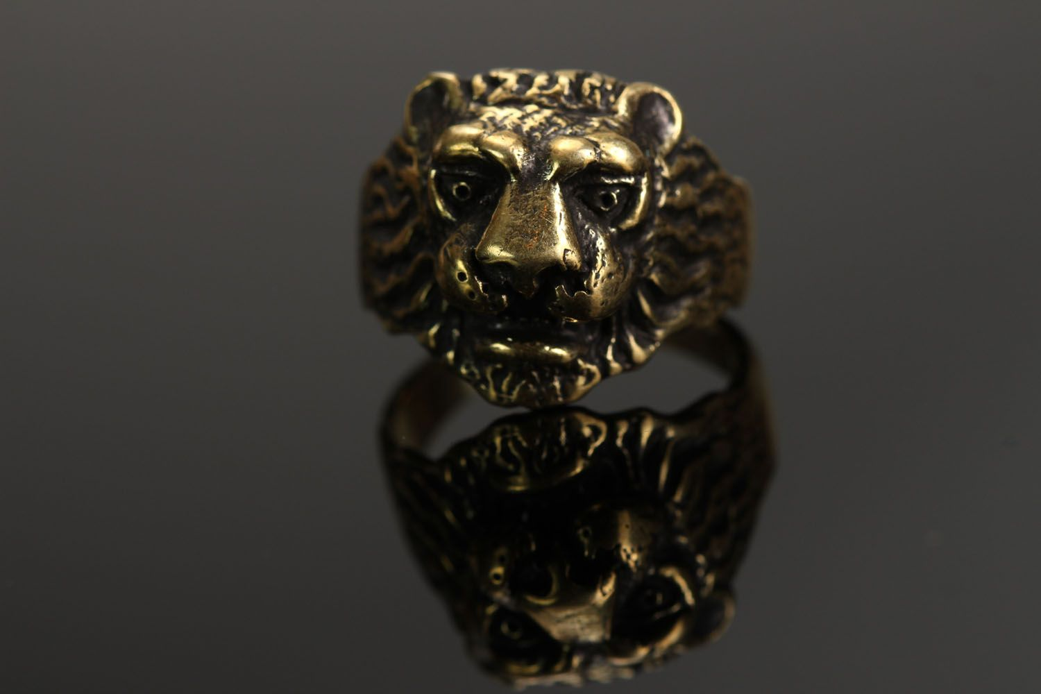 Bronze ring Lion photo 3