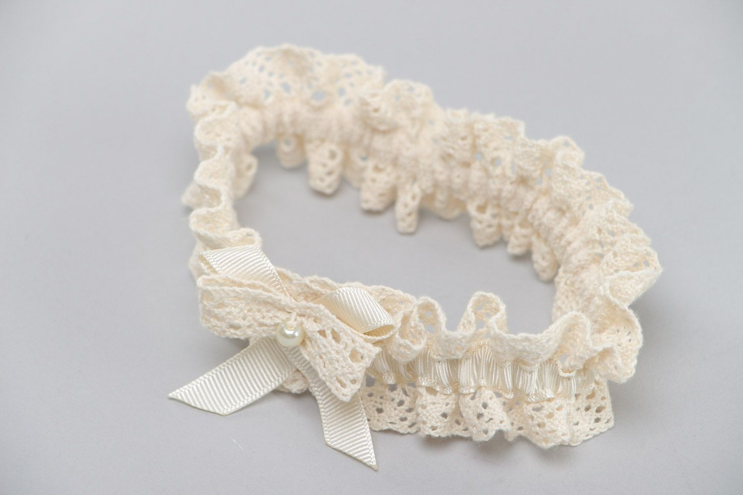 wedding accessories Handmade wedding bridal garter with ivory colored lace and pearl like bead - MADEheart.com