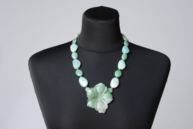 Halskette aus Naturstein foto 2