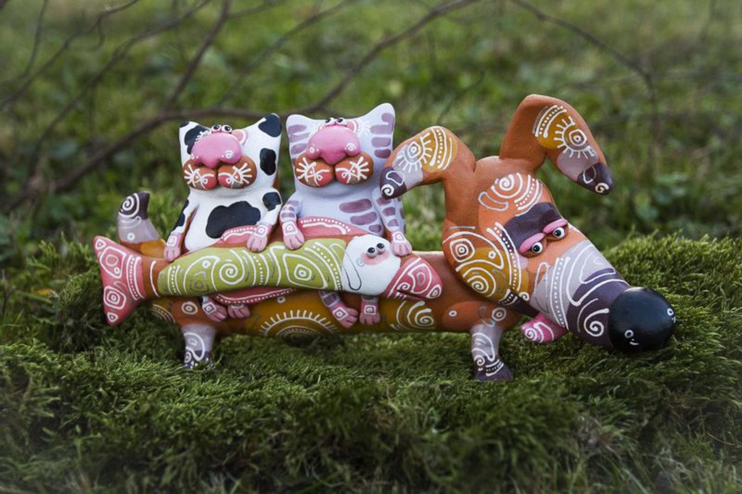 Clay figurine Badger dog with cats photo 1