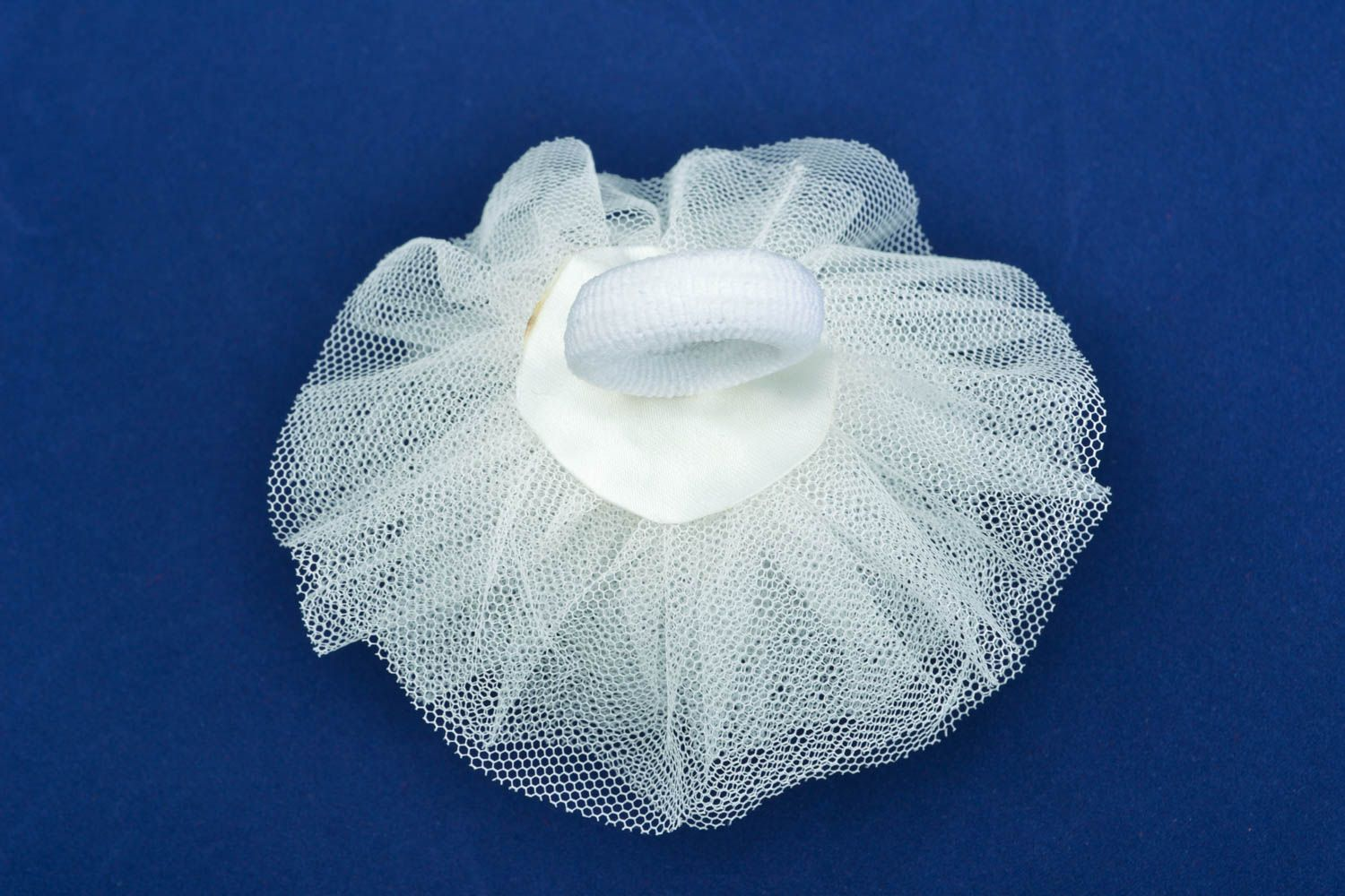 Hair tie with veiling photo 1
