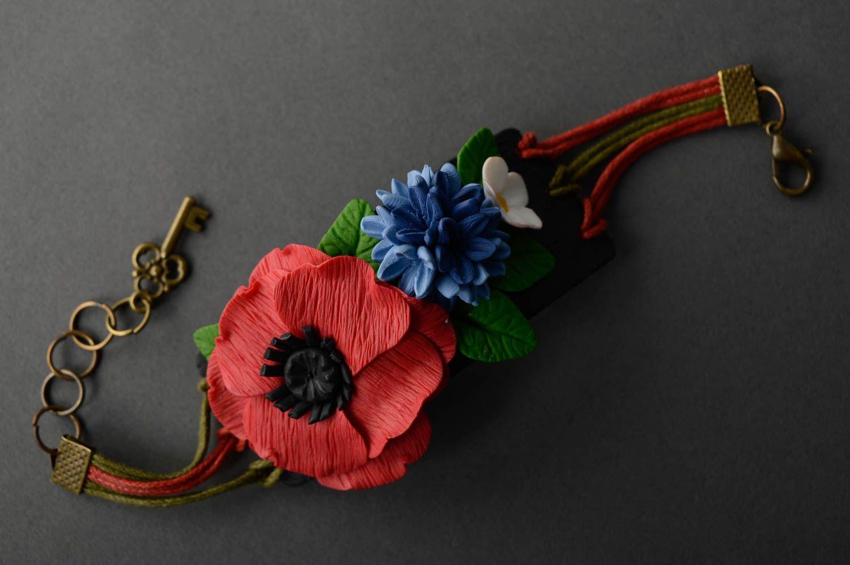 Наручный браслет с подвесками из полимерной глины фото 4