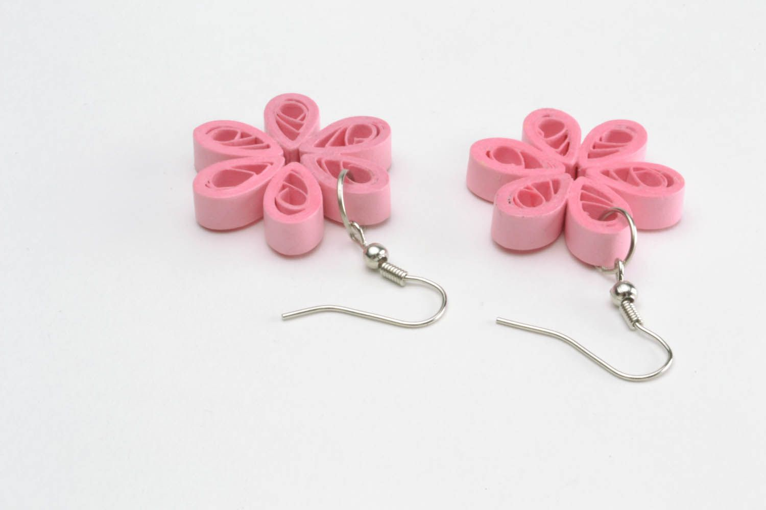 Paper quilling pink earrings photo 3