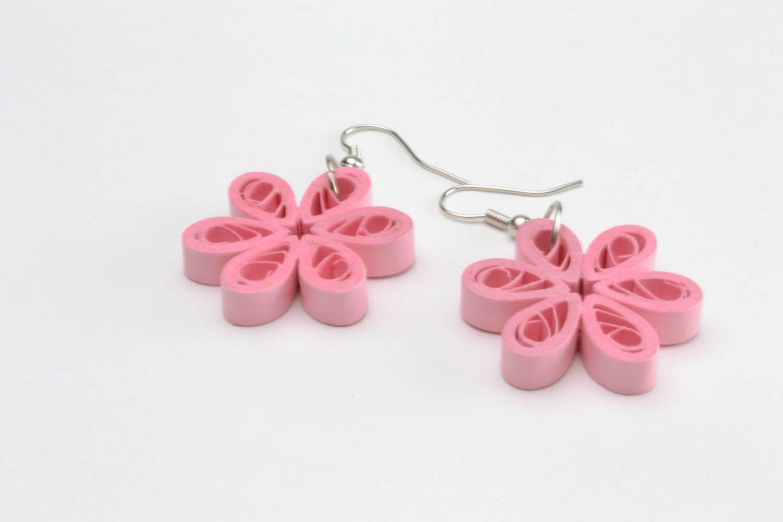 Розовые серьги из бумаги для квиллинга фото 5