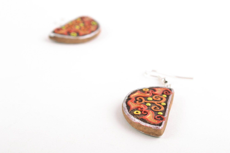 Глиняные серьги в виде долек расписанных акриловыми красками ручной работы фото 4