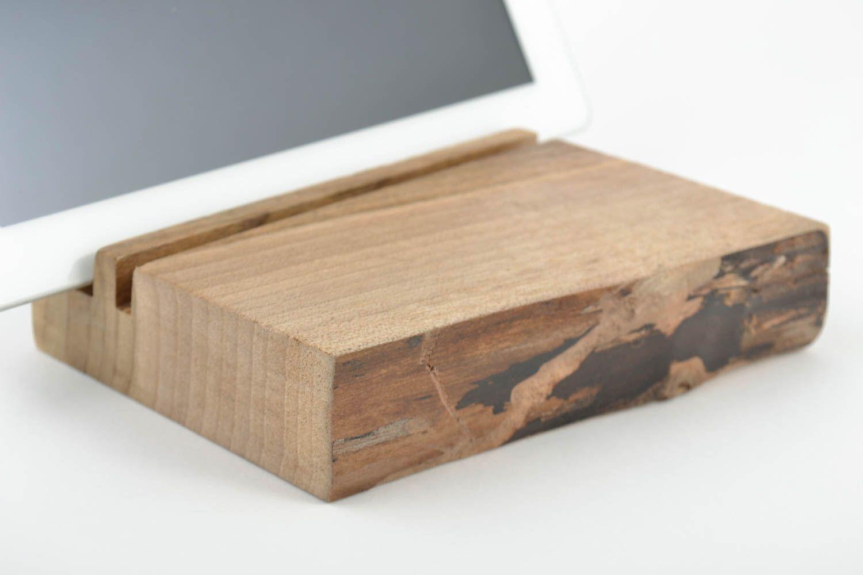 MADEHEART > Handmade Handy Ständer aus Holz Geschenk im Öko Stil für ...
