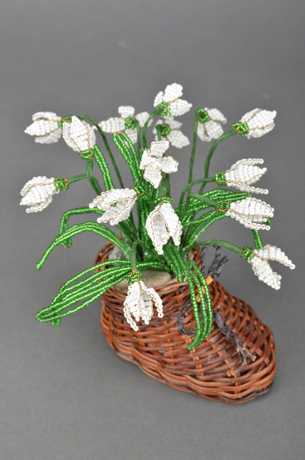 Handmade artificial beaded flower composition in straw boot shaped cachepot photo 2