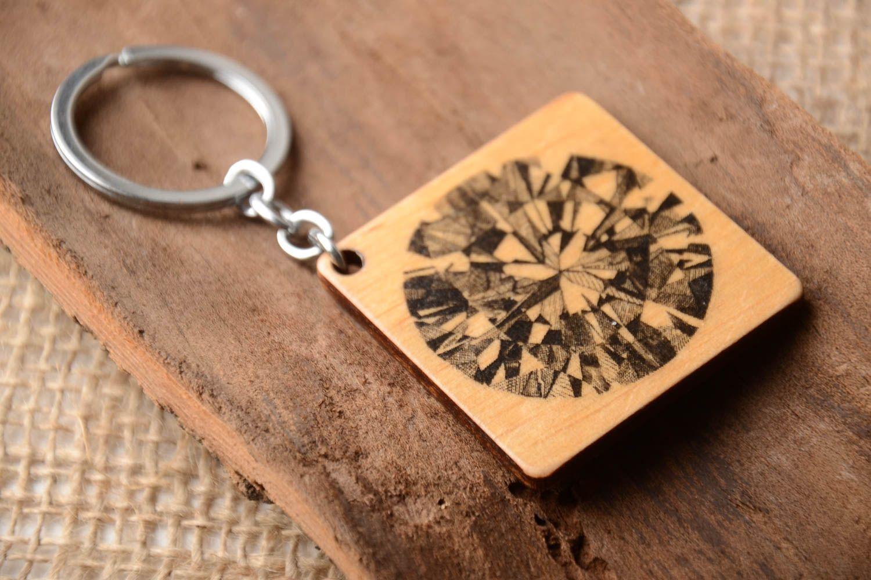 Breloques porte clef en bois fait main accessoire design cadeau femme porte clé pratique