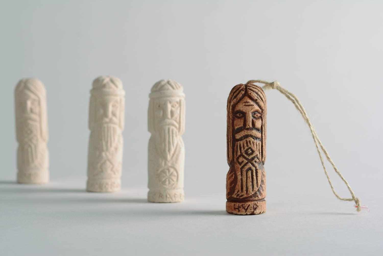 Home clay amulet Chur photo 2