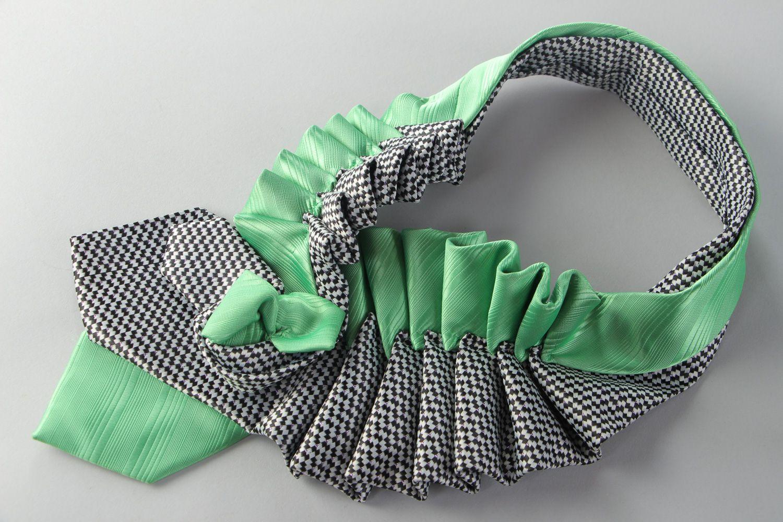 Украшение из галстука своими руками мастер 48